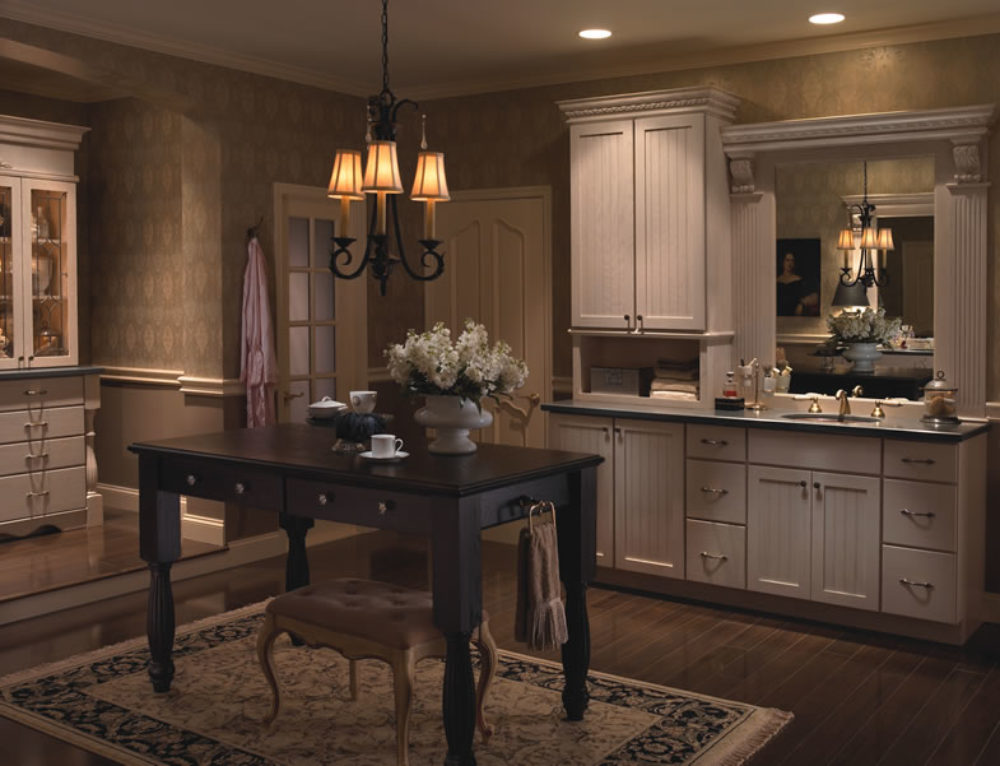 Built In with Evelyn Oak Yorktowne Cabinetry